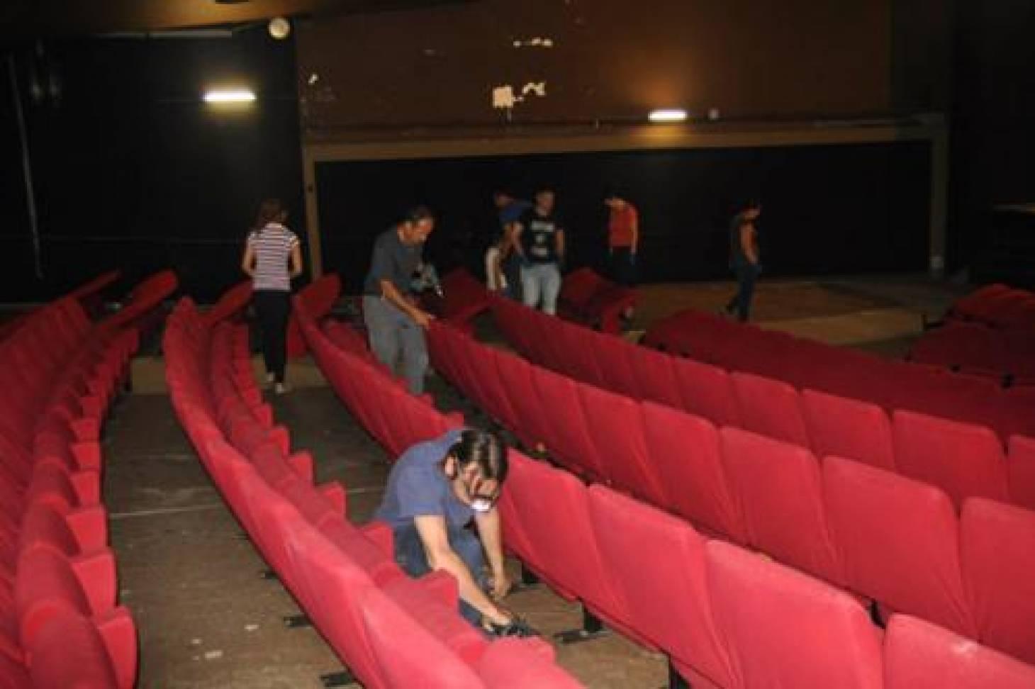 Ancien théâtre : les fauteuils enlevés