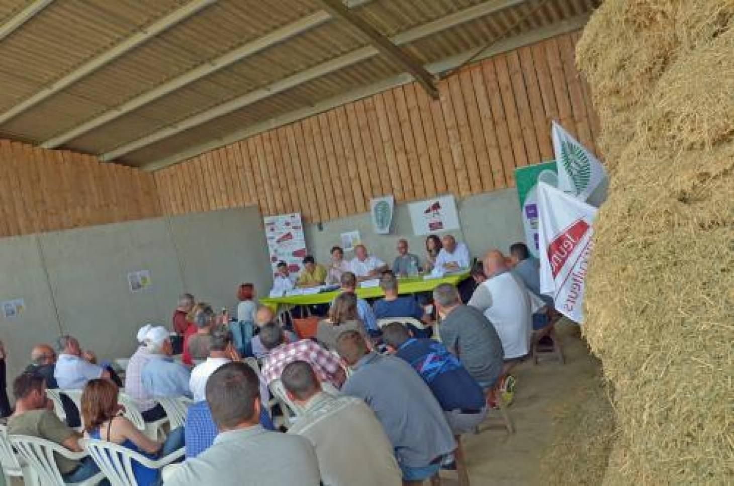 Législatives - Les agriculteurs débattent avec les candidats