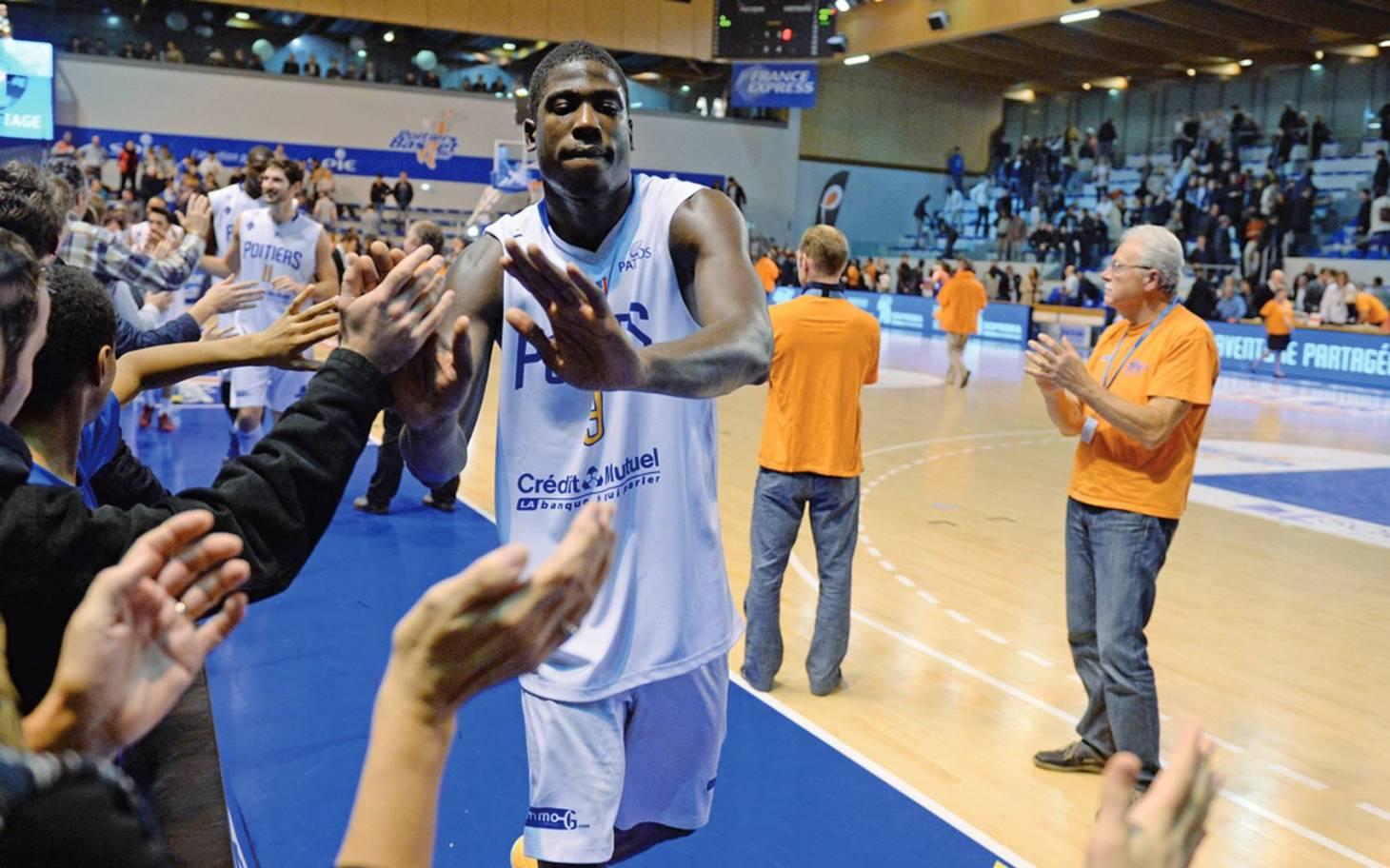 Basket - Laurence Ekperigin de retour au PB86