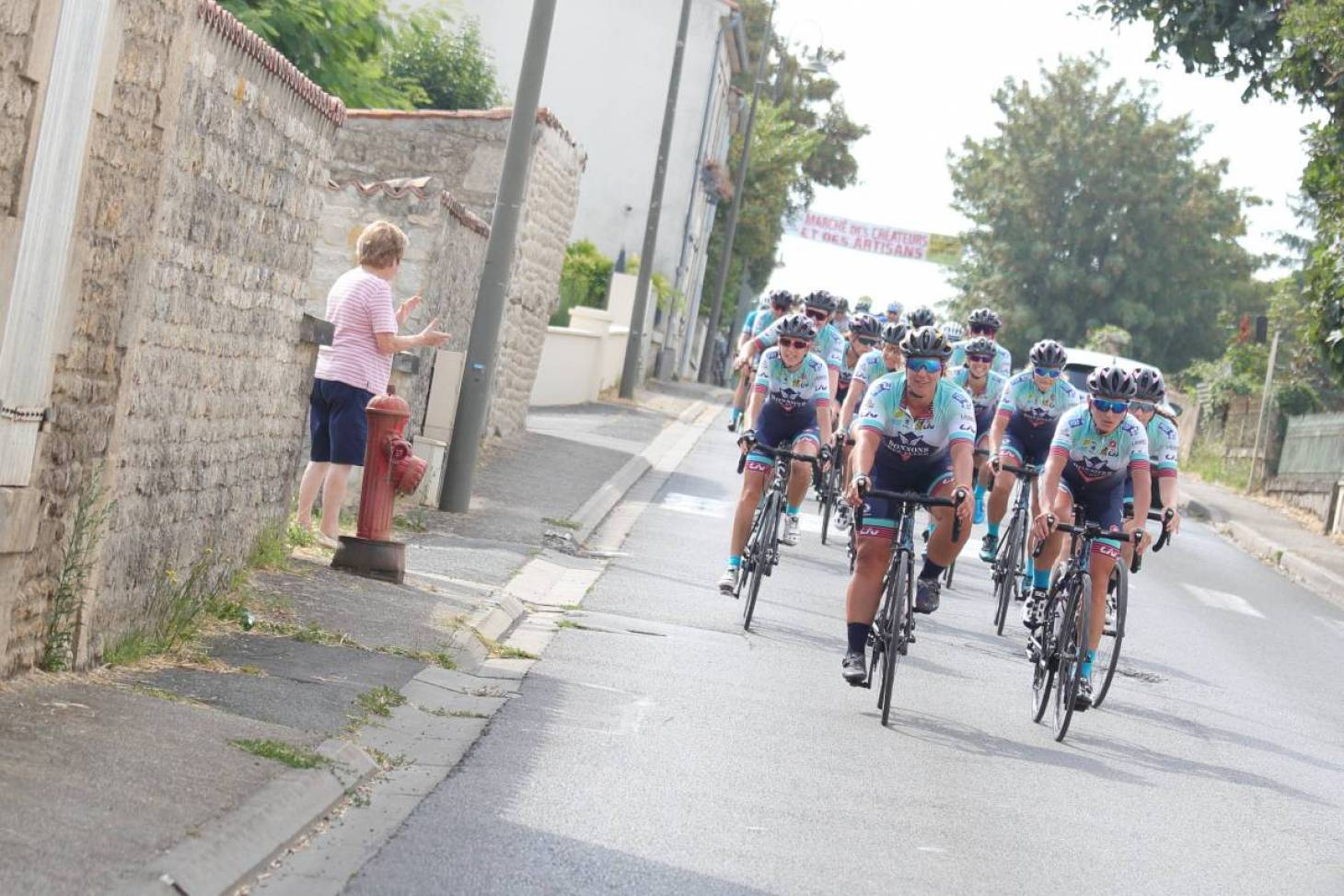 Le cyclisme féminin dans la bonne échappée