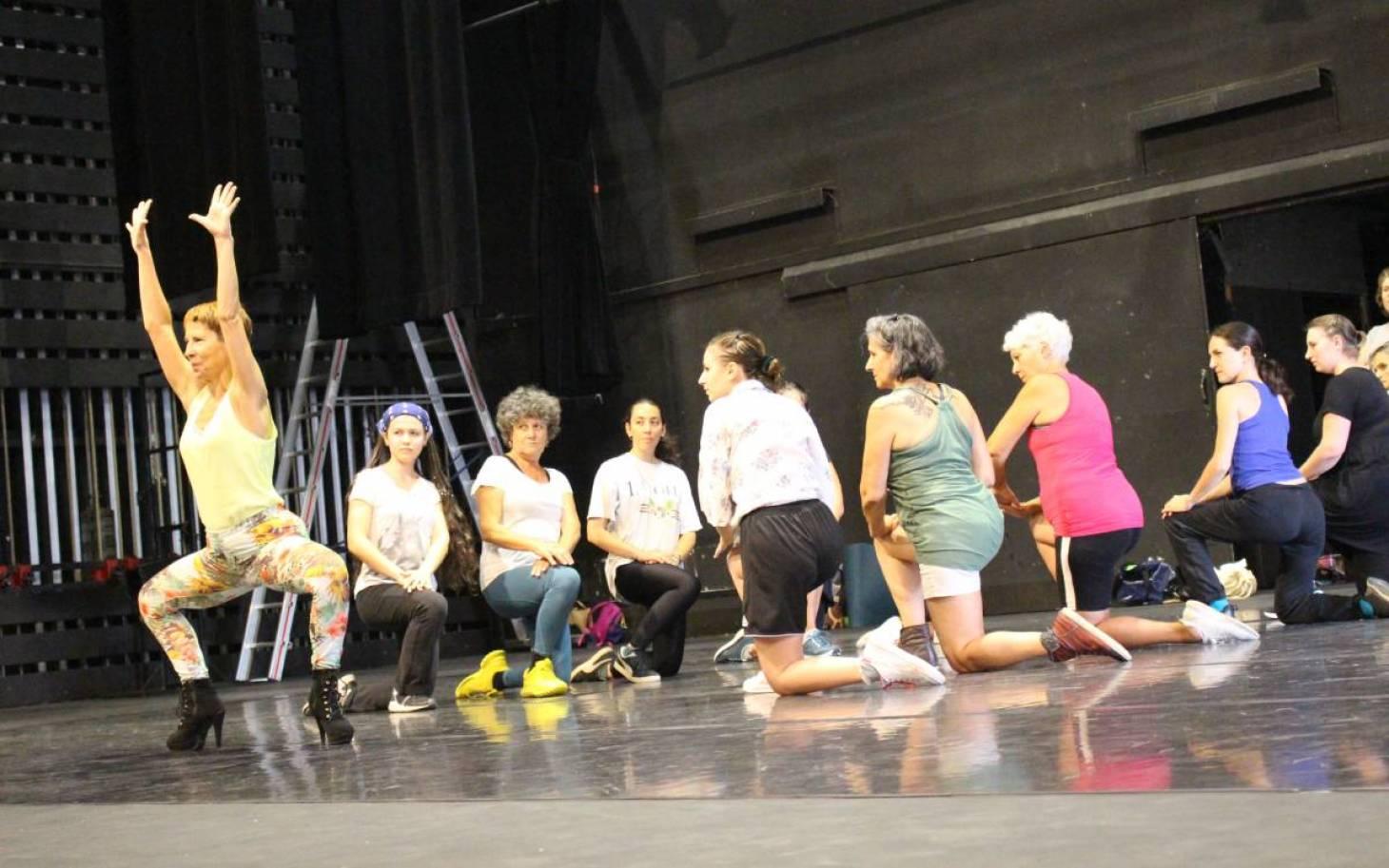 Des Paillettes sur la scène