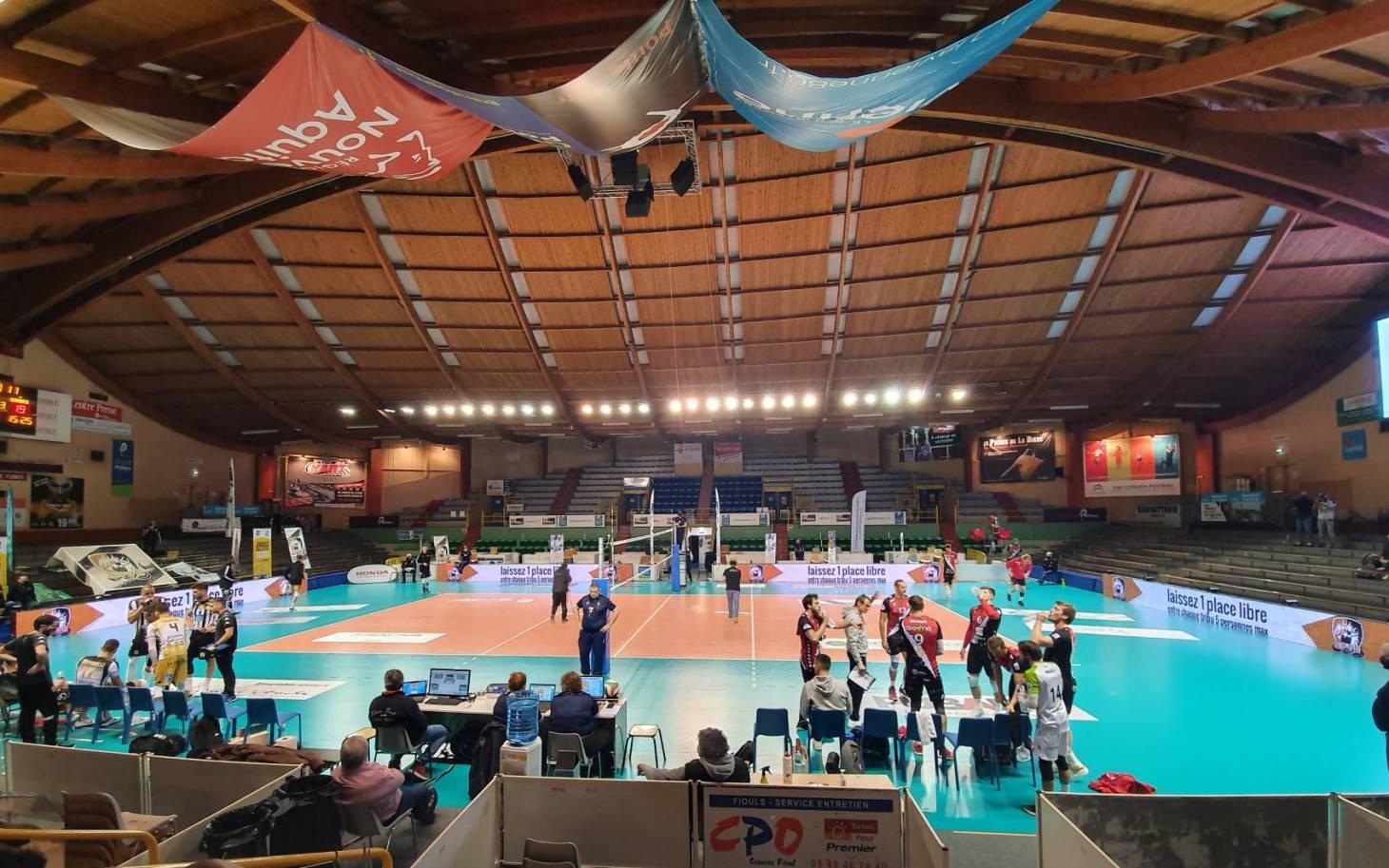 Volley/Ligue A - Poitiers s'incline au tie-break face à Cannes