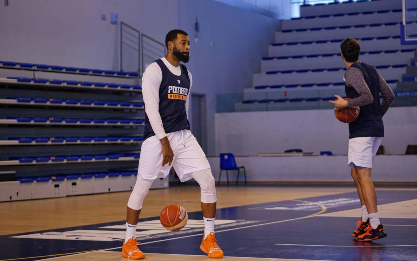 Basket - Chris McKnight quitte à son tour le PB86