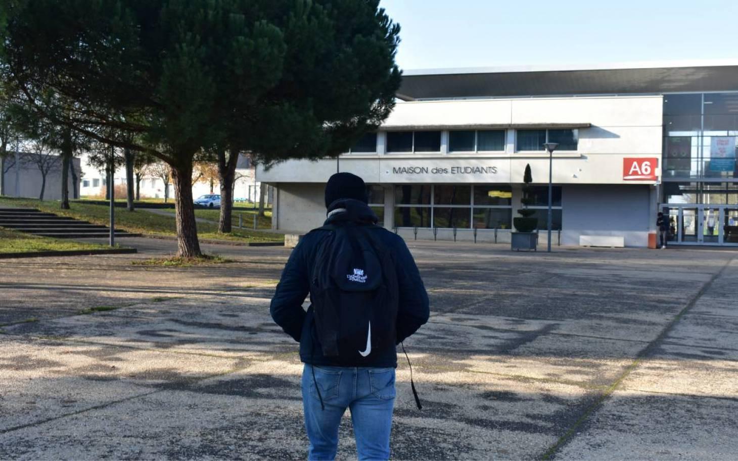 Poitiers/Etudiants : à distance malgré eux