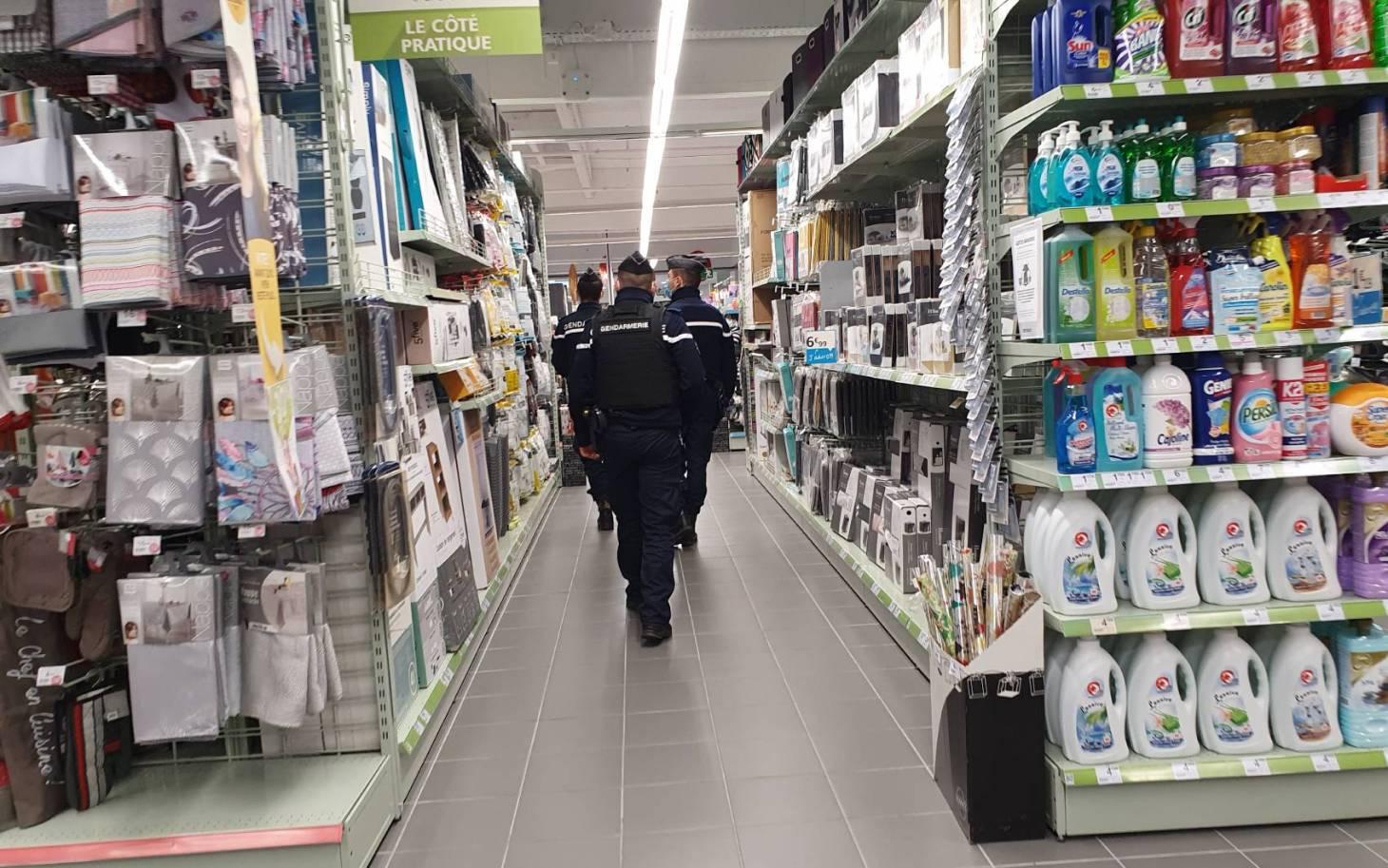 Poitiers : Auchan, Leclerc et Géant Casino contraints de fermer leurs galeries commerciales