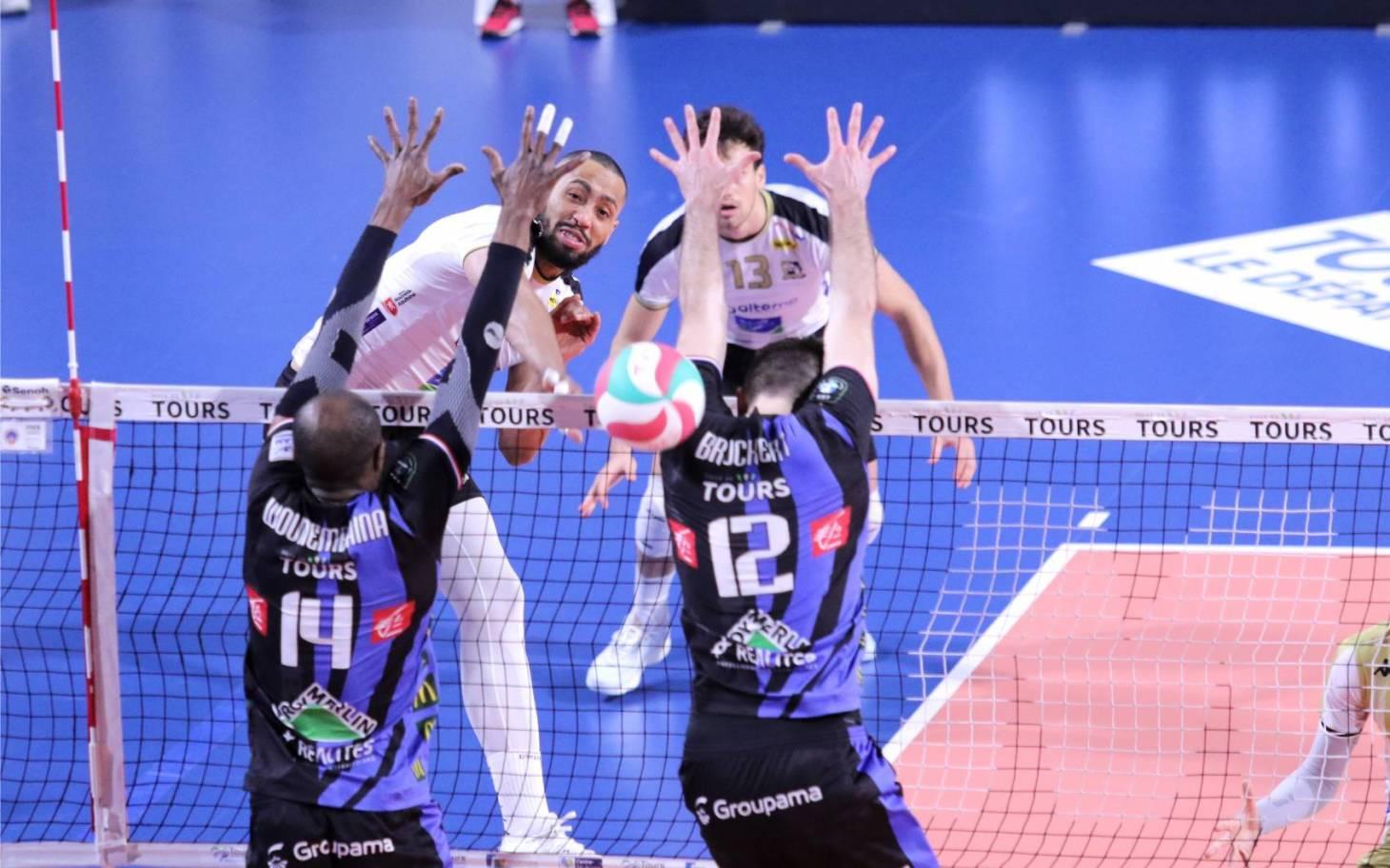 Volley - Poitiers au pied de la montagne héraultaise
