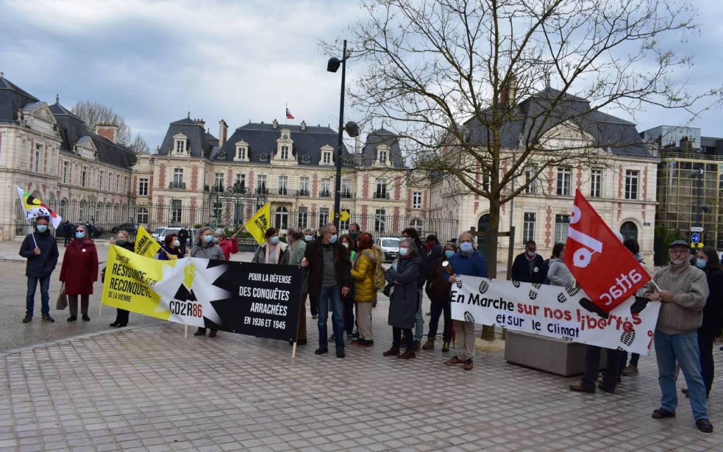 """Loi """"confortant le respect des principes de la République"""" : associations, syndicats et partis politiques sollicitent la préfète"""