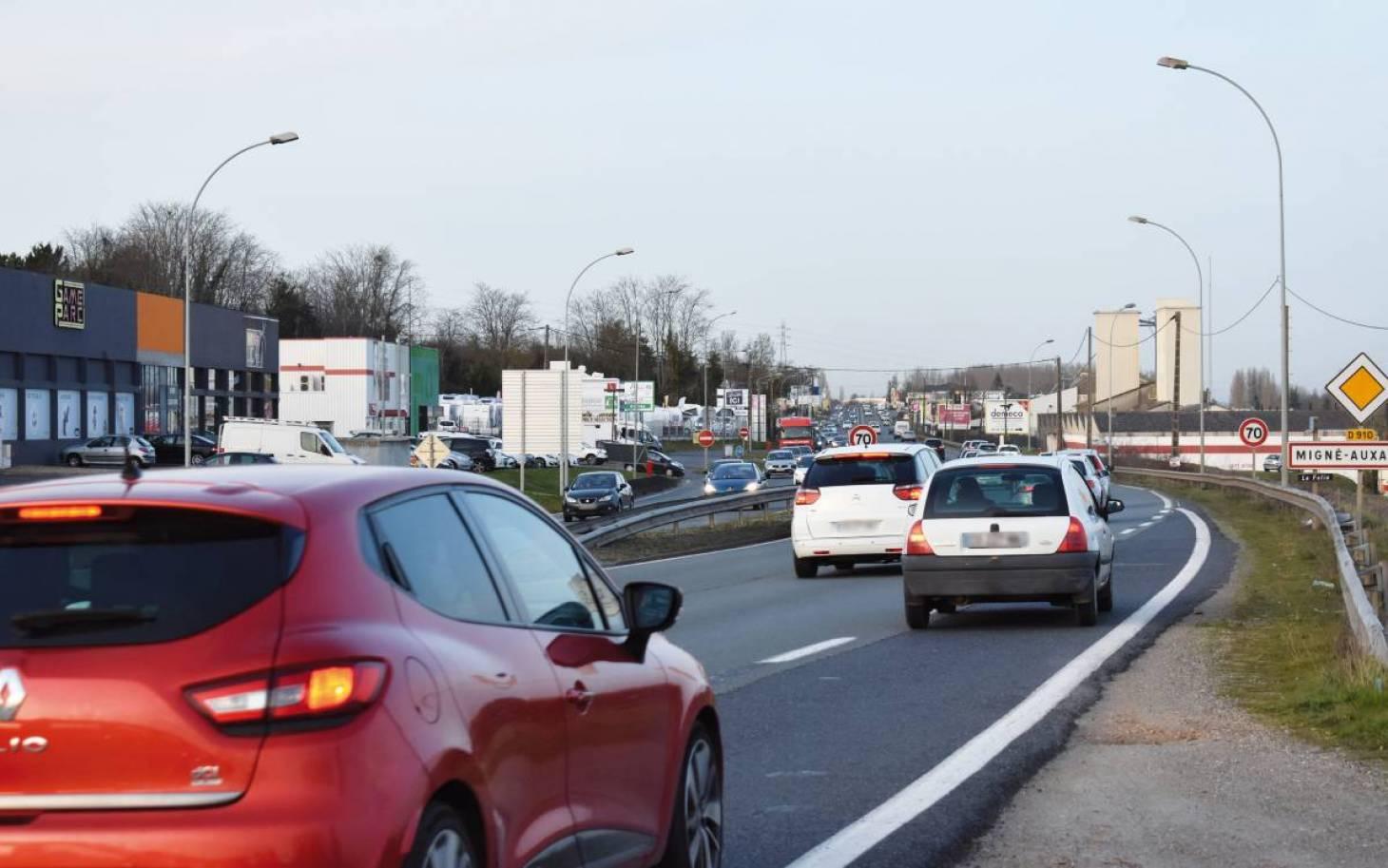 Dans la Vienne, les voitures-radars privées circulent déjà