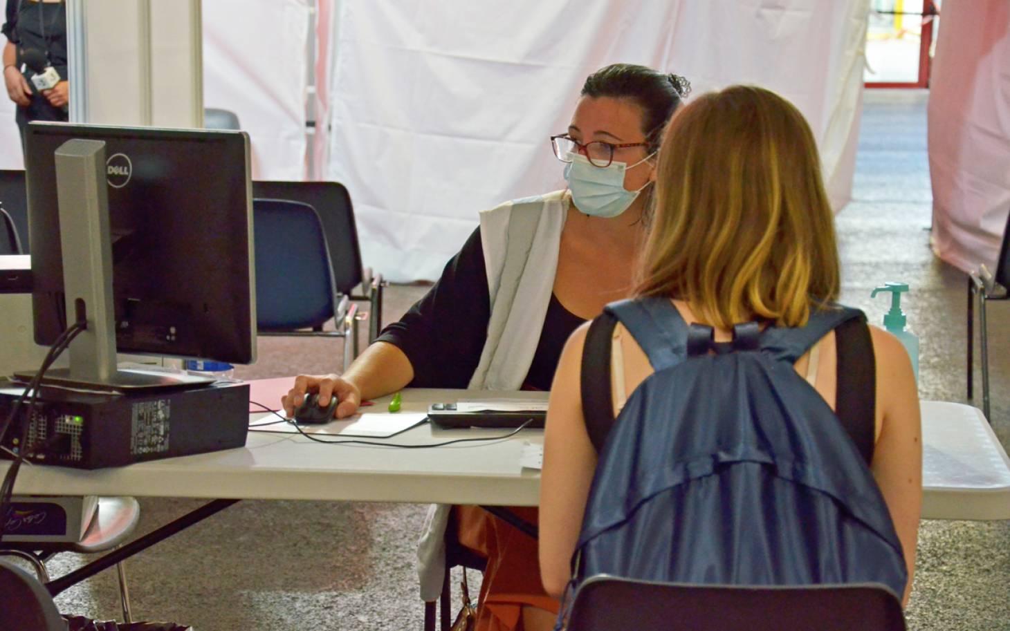 Poitiers - Les premiers lycéens se sont fait vacciner