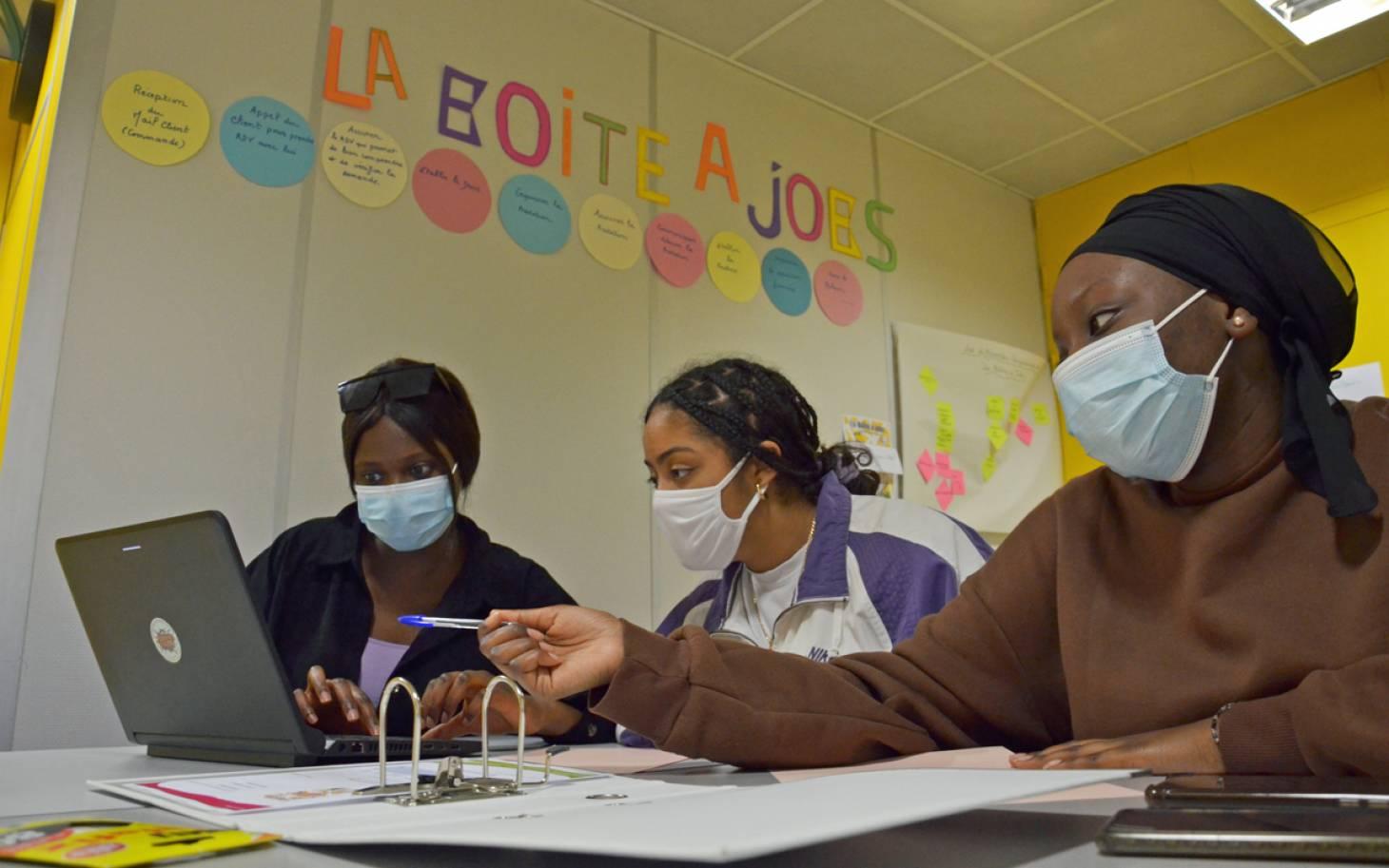 Poitiers - Des jeunes ouvrent leur boîte à jobs