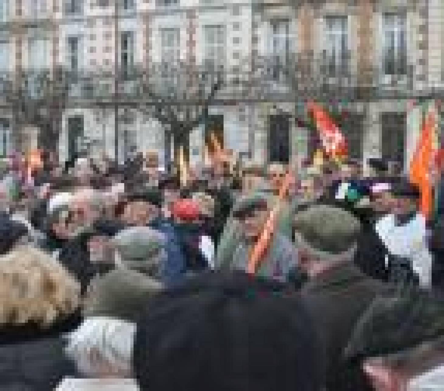 200 retraités dans la rue