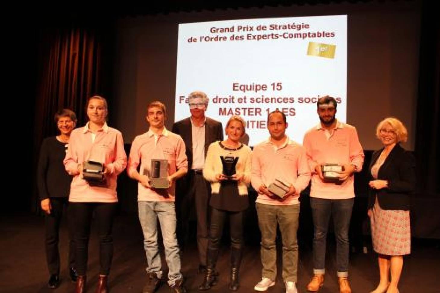 Les étudiants poitevins récompensés au Tournoi de gestion