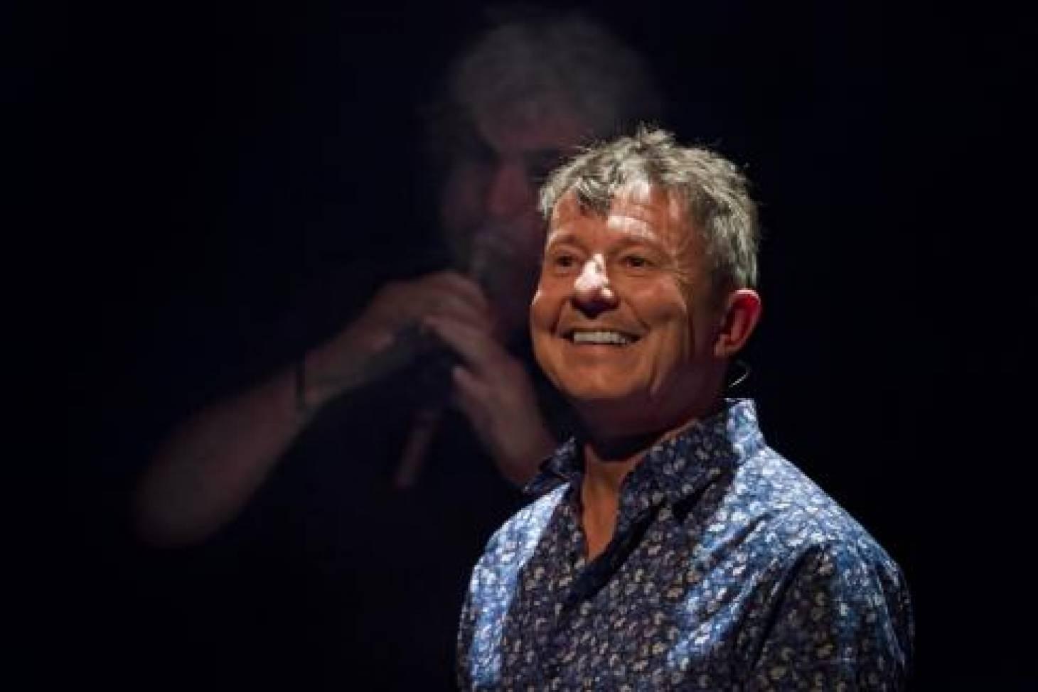 Sur scène, Yannick Jaulin défend le parlanjhe