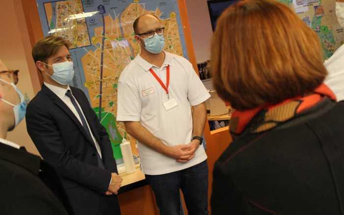 Le directeur général de l'ARS Nouvelle-Aquitaine en visite au CHU de Poitiers