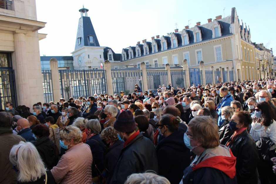 A Poitiers, 1 500 personnes réunies en hommage à Samuel Paty