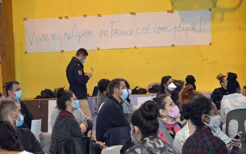 130 jeunes parlent de religions à Poitiers