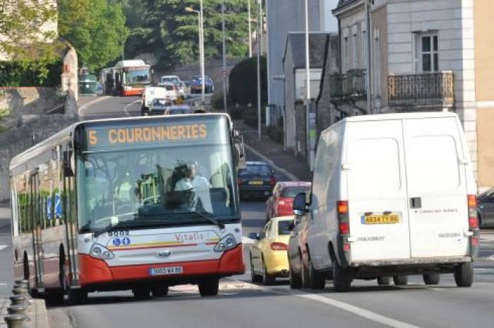 Pour ou contre <br>le bus du futur ?
