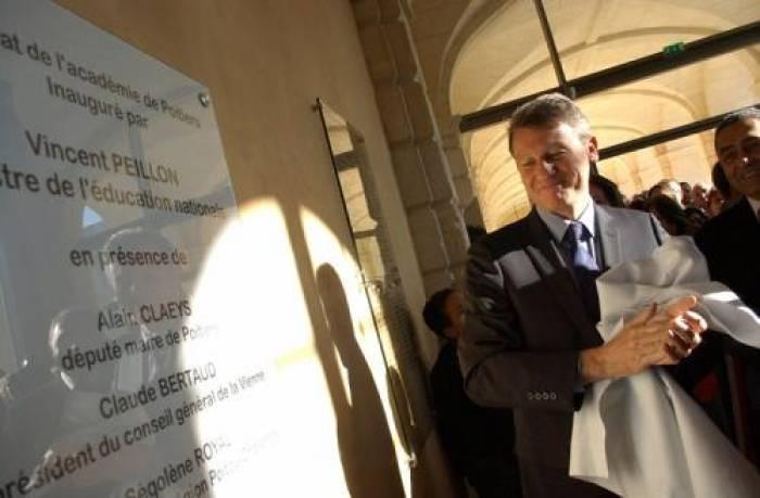 """Vincent Peillon retrouve deux """"amis"""", Alain Claeys et Ségolène Royal"""