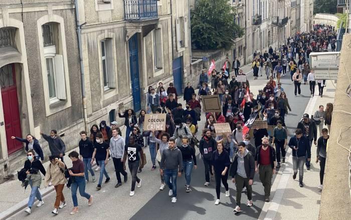 Poitiers - Plusieurs centaines de personnes manifestent contre les discriminations