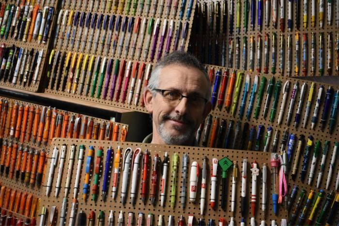 Des stylos par milliers