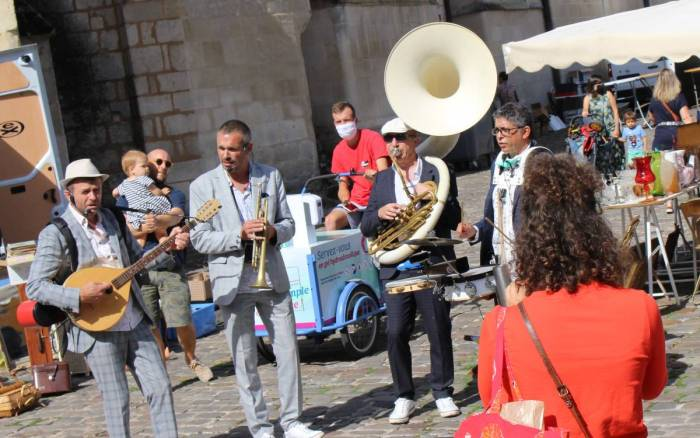 Culture à Poitiers : l'initiative aux acteurs locaux