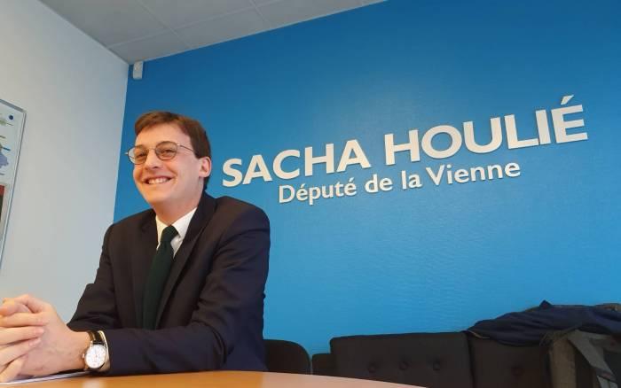 Politique - Sacha Houlié reste à LREM, mais...