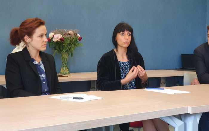 Hausse de la précarité : Léonore Moncond'huy et Florence Jardin écrivent au Premier ministre