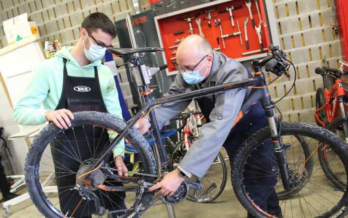 A Poitiers, le boom des techniciens cycles