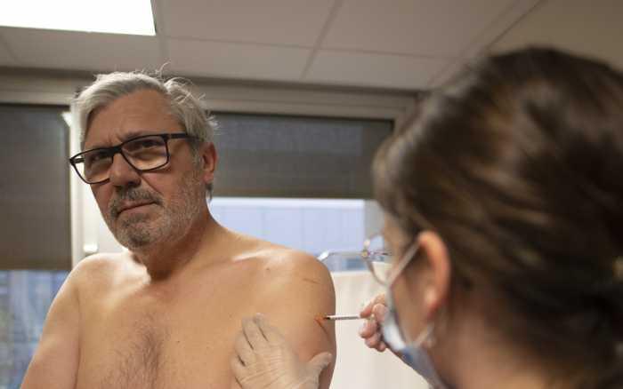 Vaccin - Piqûre de rappel pour les soignants
