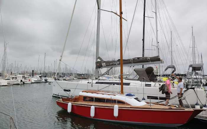 Un voilier remis à l'eau après huit ans de travaux