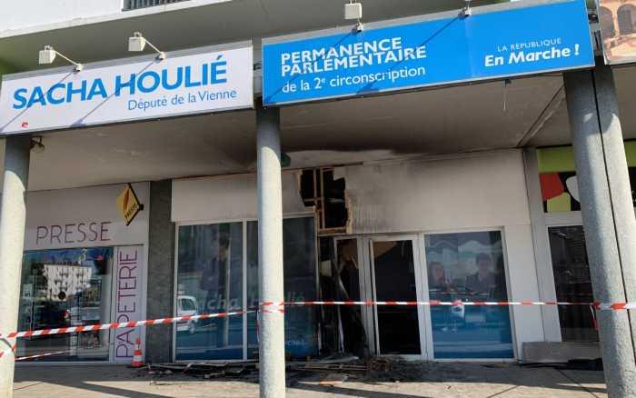 Incendie volontaire devant la permanence de Sacha Houlié