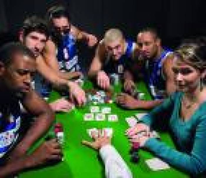 Le PB 86 met cartes sur table