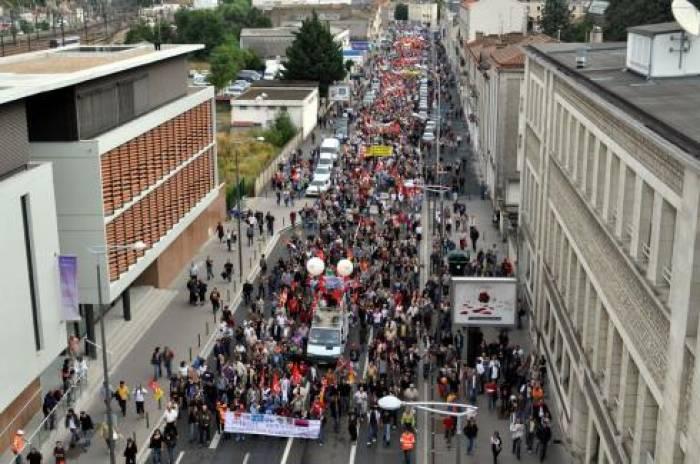 Manifestation: Poitiers noire <br>de monde