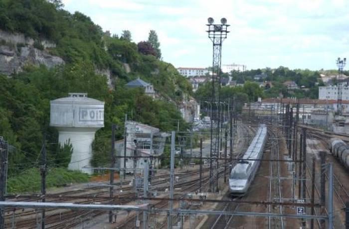 LGV Poitiers-Limoges : SNCF Réseau renonce à acquérir les terrains