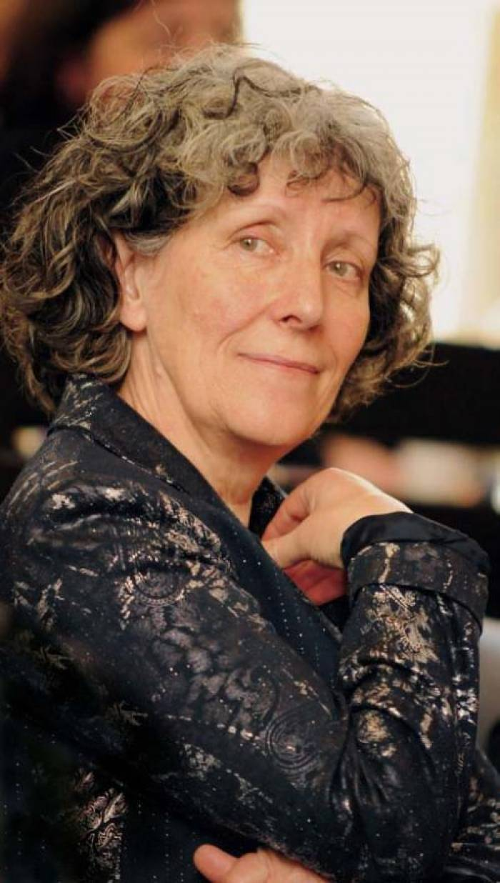 Hélène Shemwell, les premiers pas