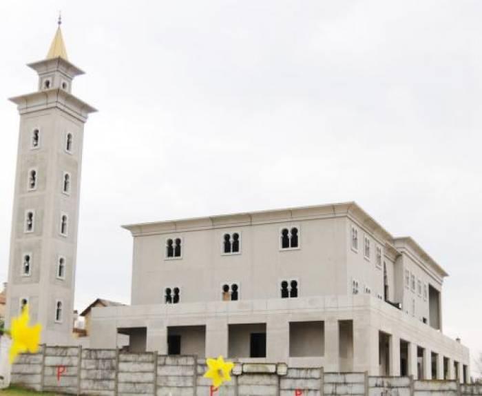 L'argent de la mosquée se fait prier