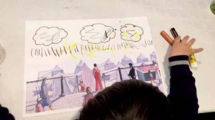 Les enfants croquent le musée